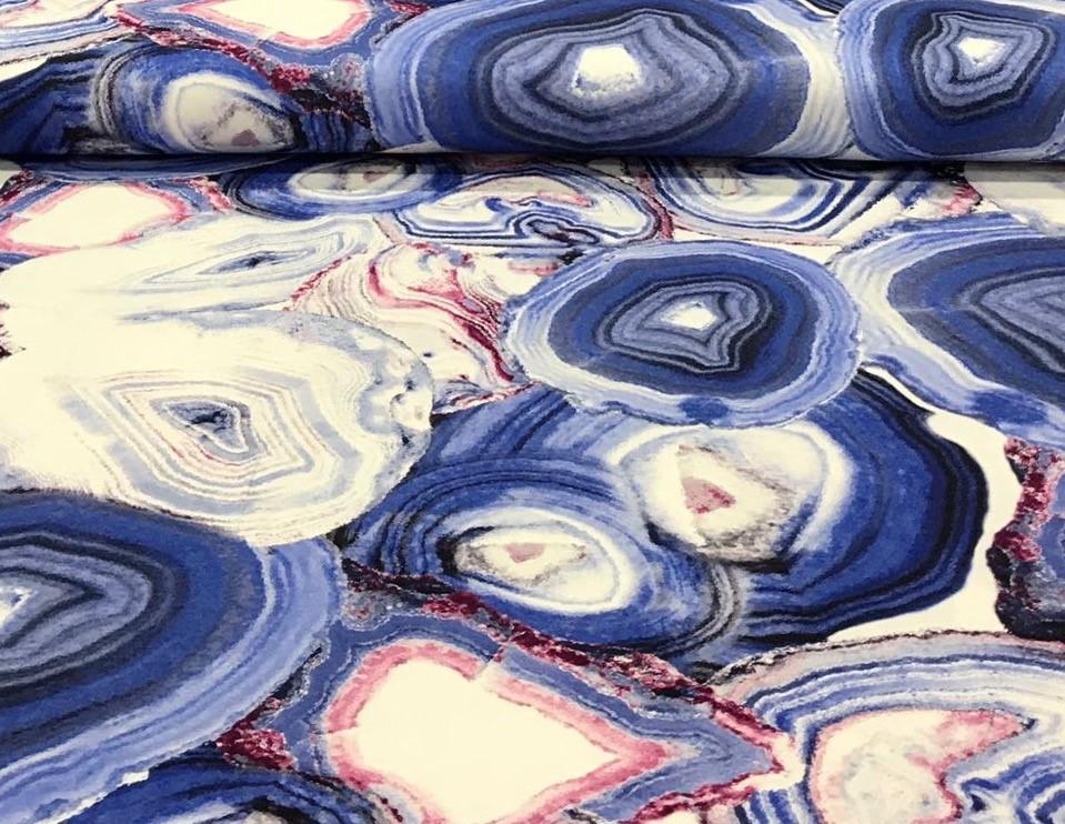 bedruktetricotcirkelsblauwbordeaux